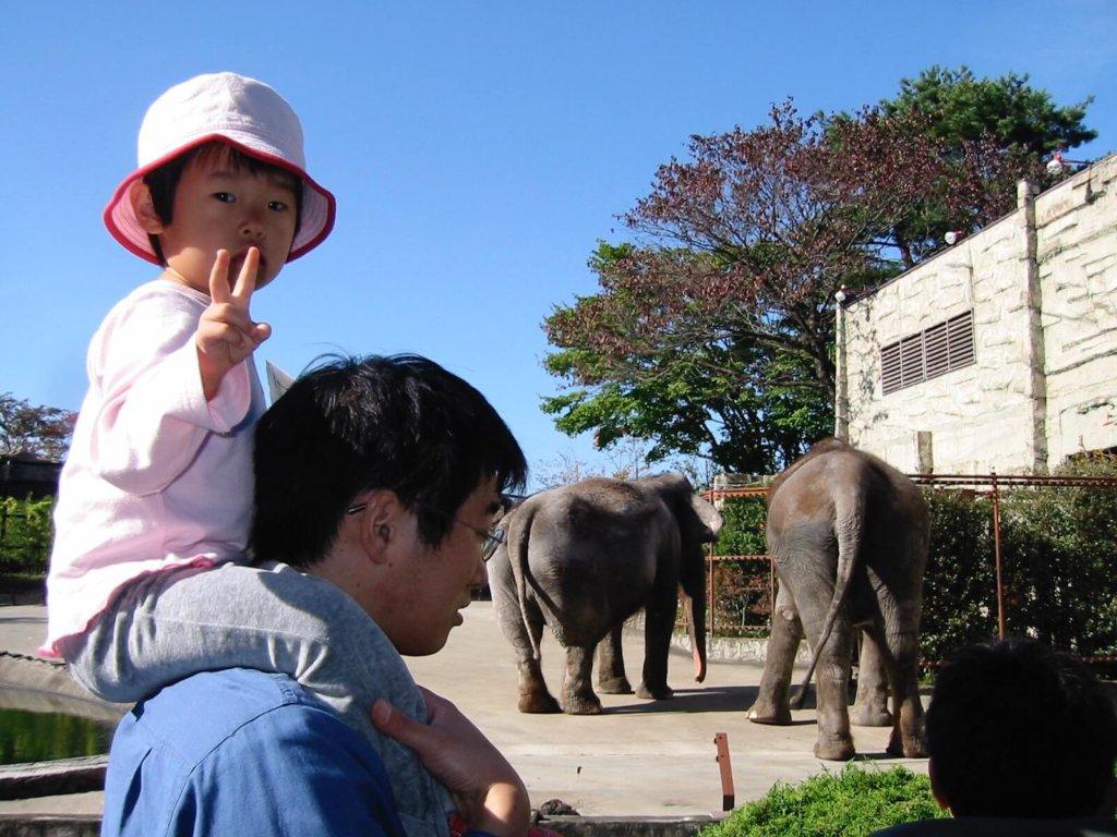 動物園に行った時の娘とわたし